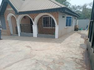 2 bedroom Detached Bungalow House for sale  close to Gastab filling station unity estate ologuneru, ibadan Ibadan Oyo