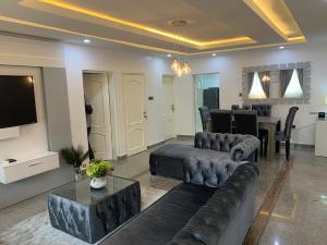 2 bedroom Detached Bungalow House for shortlet Parkview Estate Ikoyi Lagos