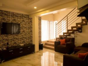 2 bedroom House for shortlet Alade Estate Ikeja Lagos