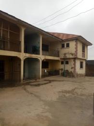 2 bedroom Blocks of Flats House for sale Behind green spring hotel old ife road. Agodi Ibadan Oyo