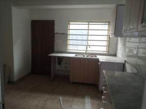 3 bedroom Blocks of Flats House for rent Mutual Alpha Court, Iponrin Estate Iponri Surulere Lagos