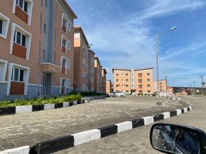 2 bedroom Flat / Apartment for sale Lagos State Housing Scheme (Lagos Homes) Iporin, Surulere. Iponri Surulere Lagos