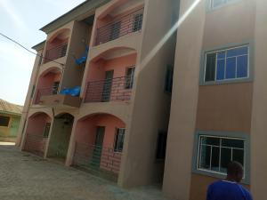 2 bedroom Blocks of Flats House for rent Olive , iyana Bodija Ibadan polytechnic/ University of Ibadan Ibadan Oyo