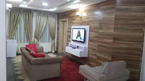 2 bedroom Mini flat Flat / Apartment for shortlet Off Palace Road ONIRU Victoria Island Lagos