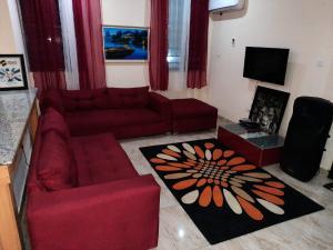 2 bedroom Flat / Apartment for shortlet Prince Olarenwaju elegushi street Ilasan Lekki Lagos