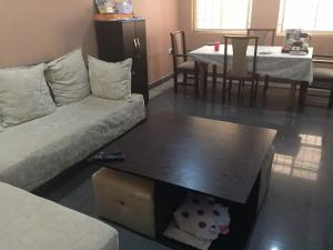 2 bedroom Flat / Apartment for shortlet Niafounke street beside acess bank Wuse 2 Phase 1 Abuja