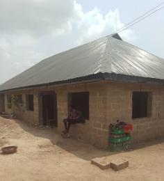 5 bedroom Flat / Apartment for sale  olosan area odò ona off taska filling station, tipper garage akala express ibadan  Akala Express Ibadan Oyo