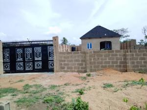 2 bedroom Detached Bungalow House for sale  Owo agbara road off golden estate, Odo ona kekere, Ibadan.  Ibadan Oyo