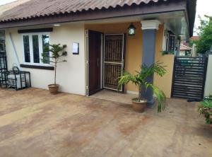 2 bedroom Detached Bungalow House for shortlet   Nbora Abuja