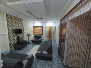 2 bedroom Blocks of Flats House for rent Oil village mahuta extension  Chikun Kaduna