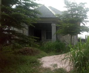 6 bedroom Detached Bungalow House for sale Agbahro, Warri Delta