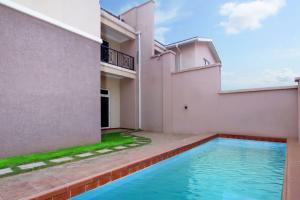 6 bedroom Semi Detached Duplex House for sale 69th road Gwarinpa Abuja