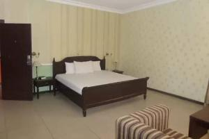 10 bedroom Hotel/Guest House Commercial Property for sale Gwarinpa off 5th Avenue Abuja   Gwarinpa Abuja