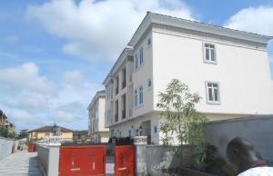 5 bedroom Flat / Apartment for rent Opp Eco Bank Ajah Ibeju-Lekki Lagos
