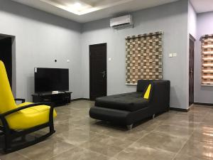 2 bedroom Flat / Apartment for shortlet Kolapo Ishola Gra, General Gas Akala Express Ibadan Oyo