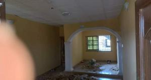 Self Contain Flat / Apartment for rent Alafia estate airport alakia ibadan.  Alakia Ibadan Oyo