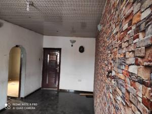 2 bedroom Flat / Apartment for rent at Silver street Abule-Ijesha Yaba Lagos