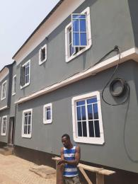 3 bedroom Blocks of Flats House for sale olorunda area near market, Akobo ibadan.   Akobo Ibadan Oyo