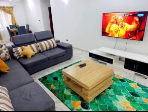 3 bedroom House for shortlet - ONIRU Victoria Island Lagos