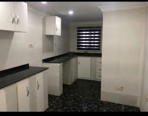 3 bedroom Flat / Apartment for rent Oyadiran estate sabo Sabo Yaba Lagos