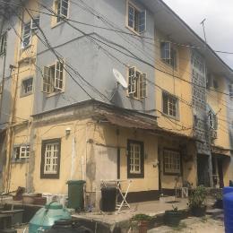 3 bedroom Flat / Apartment for sale Iponri Estate, Alaka/Iponri Surulere Lagos