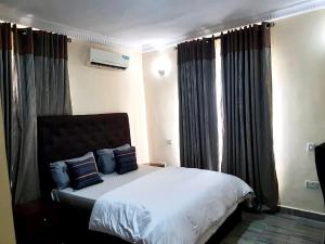 3 bedroom Flat / Apartment for shortlet ikate Ikate Lekki Lagos