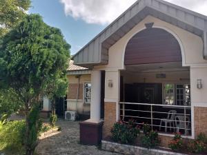 3 bedroom Terraced Bungalow House for sale 1st Ugbor Road G.R.A benin city  Oredo Edo