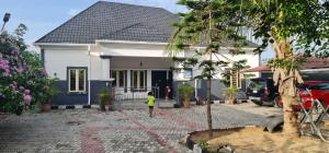 3 bedroom Detached Bungalow House for sale Abijo GRA Majek Sangotedo Lagos