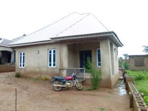 3 bedroom House for sale *agagan Olawoyin Ayegun Oleyo Road, Ibadan. Ibadan Oyo
