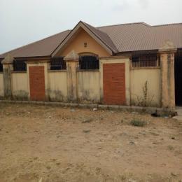 3 bedroom Detached Bungalow House for sale odo ona arapaja ibadan Odo ona Ibadan Oyo