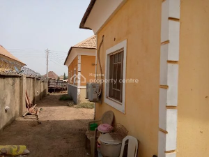 3 bedroom Detached Bungalow House for sale After Sunny Vale Estate, Dakwo Abuja