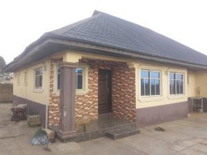 3 bedroom Detached Bungalow for sale Aiyepe Area Sagamu Sagamu Ogun