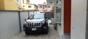 4 bedroom Terraced Duplex for rent Alagomeji, Yaba, Lagos. Alagomeji Yaba Lagos