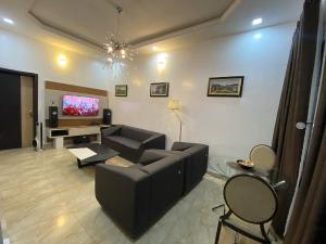 3 bedroom Terraced Duplex House for shortlet Lekki conservation chevron Lekki Lagos