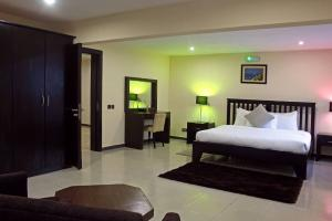 3 bedroom Flat / Apartment for shortlet Off Cameron Road Old Ikoyi Ikoyi Lagos