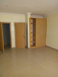 3 bedroom Flat / Apartment for rent oni street Randle Avenue Surulere Lagos