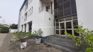 3 bedroom Flat / Apartment for rent Off Palace Road. ONIRU Victoria Island Lagos