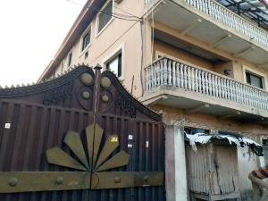 3 bedroom Shared Apartment Flat / Apartment for rent Alagomeji Alagomeji Yaba Lagos