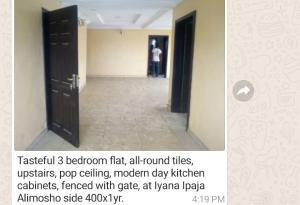 3 bedroom Flat / Apartment for rent Alimosho side Iyana Ipaja Ipaja Lagos