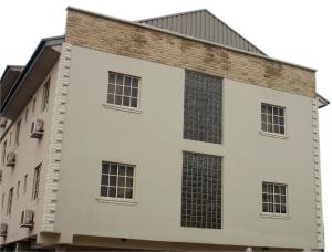 3 bedroom House for sale OGUNMEFUN STREET,PEDRO,CHALLY BOY,GBAGADA PHASE 1 Phase 1 Gbagada Lagos