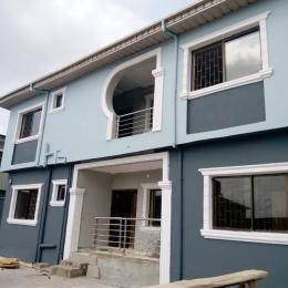 3 bedroom Flat / Apartment for rent Off Aiyelegun Road, Bucknor Isolo Lagos