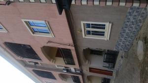 3 bedroom Flat / Apartment for rent SAFA Street Bucknor Isolo Lagos
