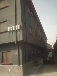 3 bedroom Flat / Apartment for rent Adeola Ajayi crescent Mafoluku Oshodi Lagos