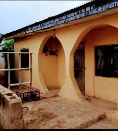 3 bedroom Flat / Apartment for sale 2, ayo faluyi street Odongunyan Ikorodu Lagos