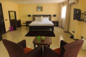 3 bedroom Flat / Apartment for shortlet Cameron Road Ikoyi Lagos
