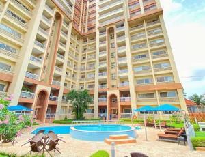 3 bedroom Blocks of Flats for sale S Gerard road Ikoyi Lagos