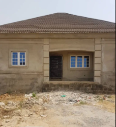 3 bedroom Semi Detached Bungalow House for sale Sam Nujoma Estate Buside Brains & Hammers Galadinmawa Abuja