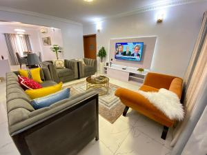 3 bedroom Flat / Apartment for shortlet Ikate Lekki Lagos