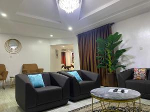 3 bedroom Penthouse Flat / Apartment for shortlet 6 dideolu estate ONIRU Victoria Island Lagos