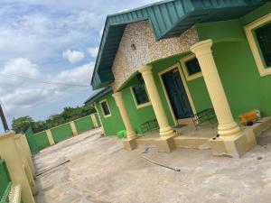 3 bedroom Penthouse for sale Sapele Road Evbukhu, Benin City Edo State Oredo Edo